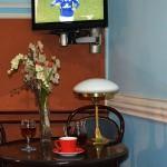 Pansion konak Bulevar Valjevo - Sto u klubu / Guest house Bulevar Valjevo - Table in club